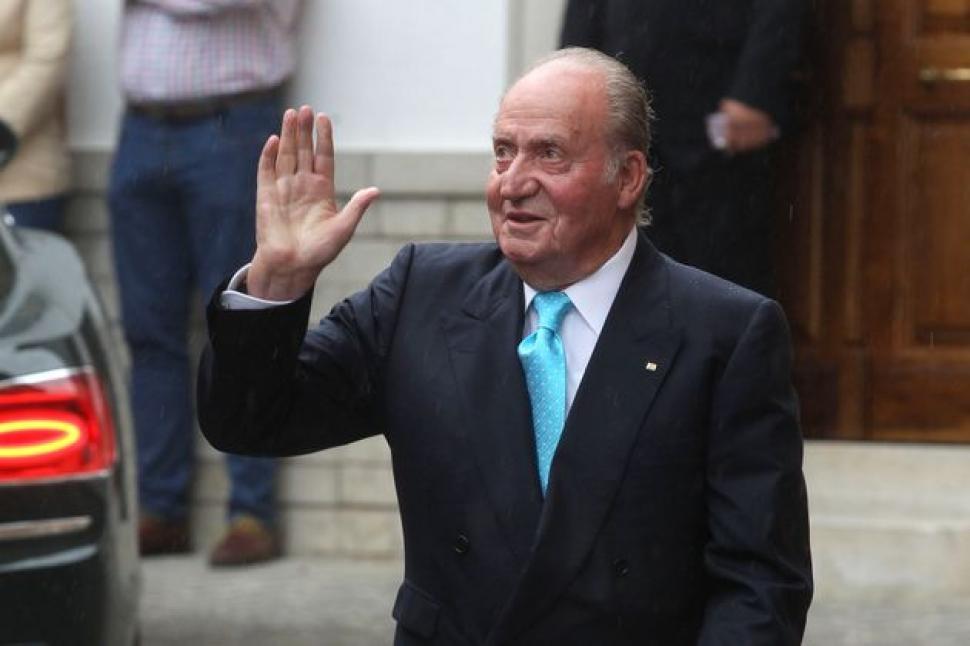 El rey Juan Carlos abandona España | Radio Bicentenario - FM 103.3 ...